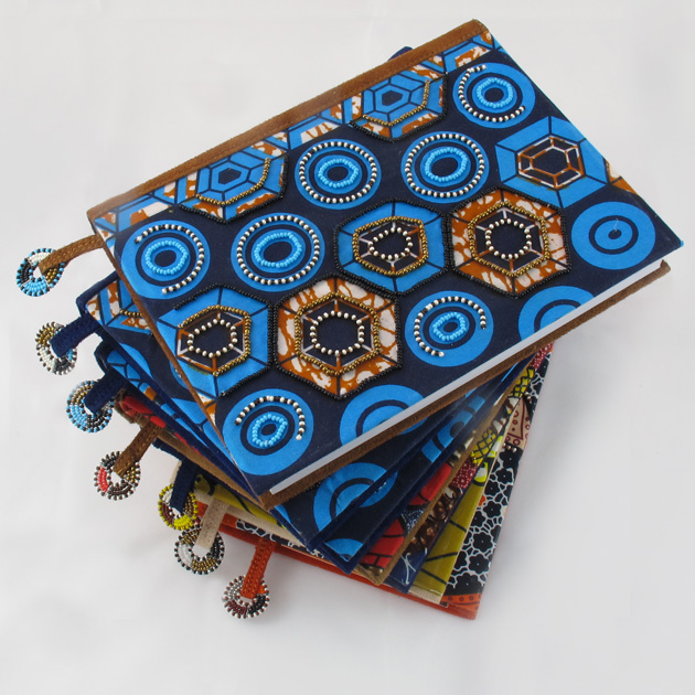 Malaika-quaderno-perline-insieme